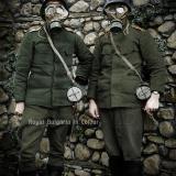 Български военни с газови маски