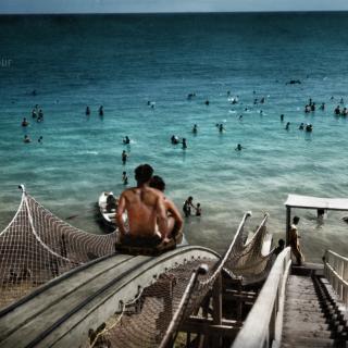 По пързалката на градския плаж във Варна