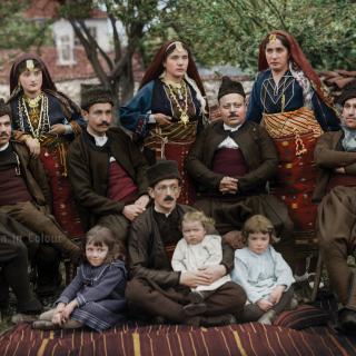Групова снимка на жители на град Елхово