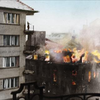 Бомбардировките – горящи сгради