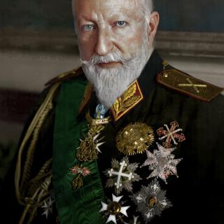 Цар Фердинанд облечен във фелдмаршалска униформа